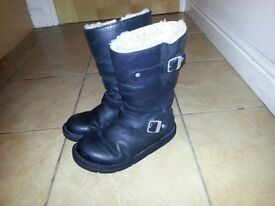 !!!BARGAIN!!! OFFICAL UGG BOOTS LEATHER