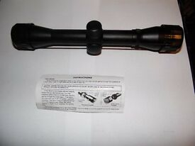 REMINGTON 4 x 32 Telescopic Sight with Lens Caps and Instructions. New Unused