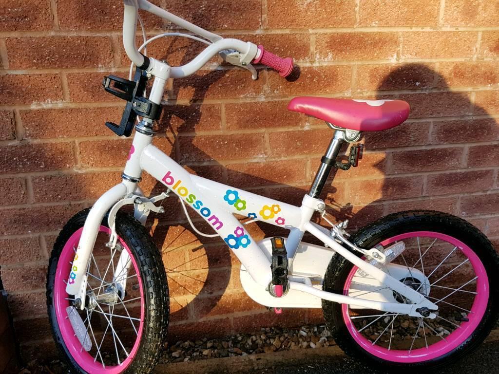 "Girls Blossom 16"" bike"