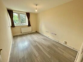A Spacious 3 double Bedroom Flat for RENT in Stanmore with Parking