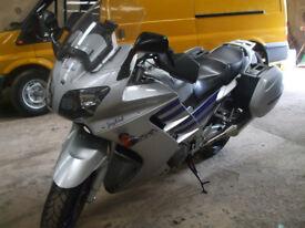 YAHAMA FJR 1300 TOURING MOTOR CYCLE