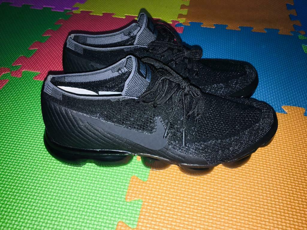 6c3c2a9306 Vapormax nike shoes deal £70 new never used | in City of London ...