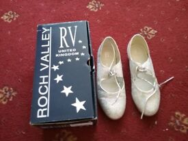 Roch Valley Tap Shoes size 3.5