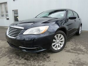 2012 Chrysler 200 LX, BLUETOOTH.