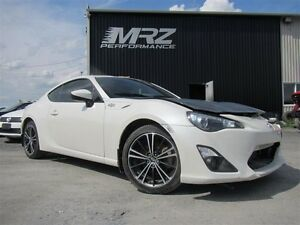 2013 Scion FR-S Manuel - Aileron TRD - Gros radio - Look unique