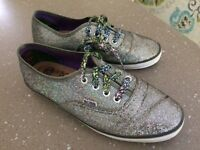 Size UK3. Sketchers 'Bobs'. Gorgeous girls glistening lace ups. Leather insole as new.