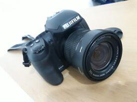 "Fujifilm FinePix HS Series HS30EXR 30x Zoom 16.0MP 3.0"" LCD"