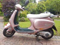 Light pink Piaggio Vespa et4
