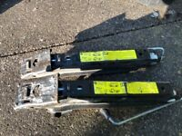 2 car/van jacks Came off a vw transporter but will fit other vehicles