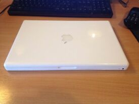 Apple MacBook Pro 13in running windows 7 good working order