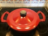 LAFONT cast iron buffet casserole 2.6 litre with lid - great christmas present (like Le Creuset)