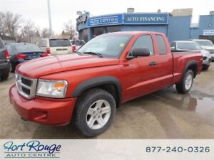 2008 Dodge Dakota SLT EXT CAB 4X4 - **LOW KMS**