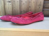 Ladies Red Size 5 flat shoes. Not been worn.