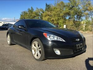 2011 Hyundai Genesis Coupe 2.0T GT WITH LEATHER & SUNROOF / WE A
