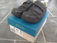 Boys Clarks School Shoes Size 12G Black Leather Euro fit size 30.