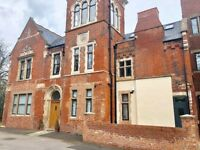 Marlborough Hall Nottingham - Stunning converted two bedroom flat with parking and jacuzzi bath