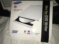 Samsung Portable DVD Writer Model SE 208 - White