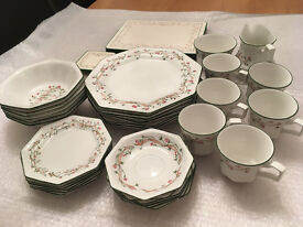 JOHNSON BROS ETERNAL BEAU 34 PIECE TABLEWARE PLUS COASTERS AND PLACE MATS