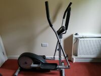 REEBOK CROSS TRAINER - £45 OVNO