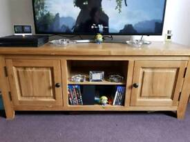 Solid oak tv cabinet/unit