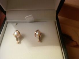 Gold and Pearl Stud Earrings from EJ - hallmarked