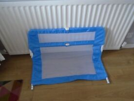 Childs bed rail