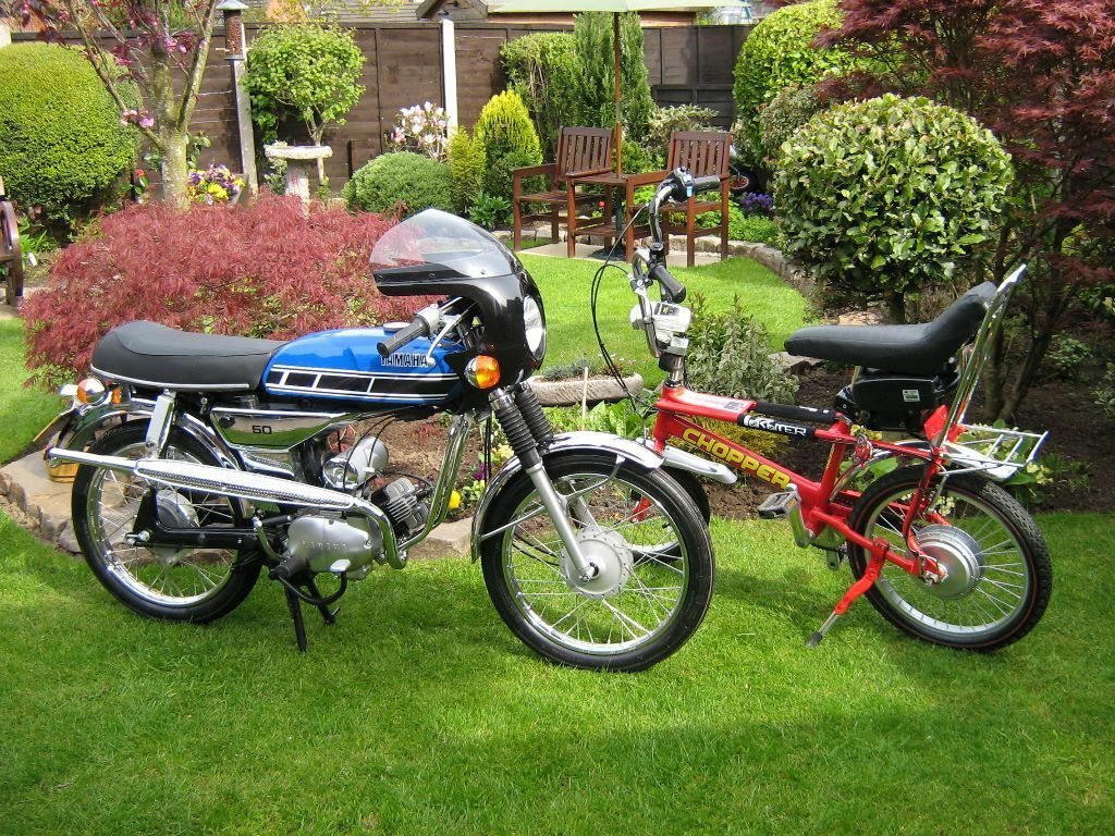 electric bike for sale red raleigh chopper in garstang. Black Bedroom Furniture Sets. Home Design Ideas