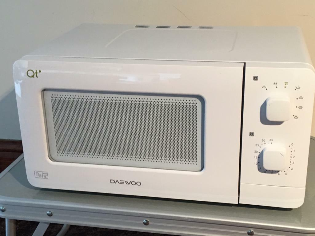 Compact Low Wattage Microwave Oven