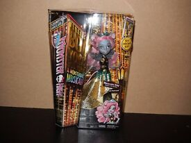 Monster High Doll - Boo York Boo York - Mouscedes King BNIB