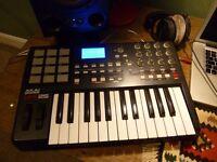 Akai MPK25 - Functioning PERFECTLY - Brilliant USB MIDI CONTROLLER