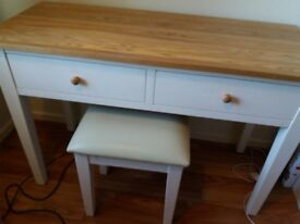 Modern White Dressing Table and Stool