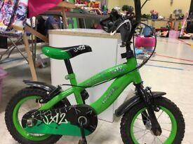 """Boys green and black 12""""bike"""