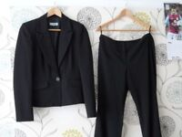 Ladies trouser suit Red Herring size 12