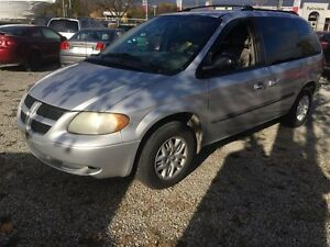 2002 Dodge Caravan Sport, Automatic, Third Row Seating,