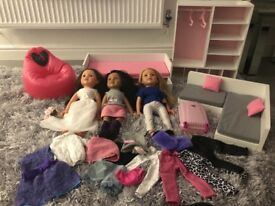 Design a friend doll, sofa, wardrobe, bed and clothes!