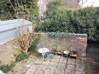 Spacious 2 bedroom garden flat in West Worthing available immediately-no time wasters please