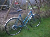 ladies vintage elswick 21 in frame,new tyres,superb classic,runs well
