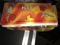 Spraying kit