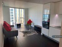 2 bedroom flat in Sky Gardens, London, SW8 (2 bed) (#1159584)