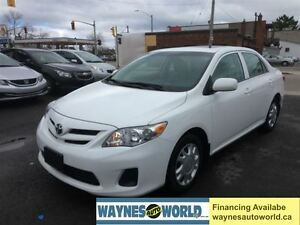 2013 Toyota Corolla CE **SUNROOF & HEATED SEATS**