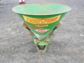 Tractor three point linkage Kuhn fertiliser spreader