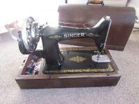 VINTAGE SINGER HAND CRANK SEWING MACHINE