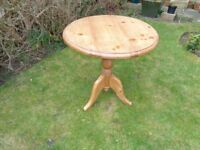 Pine table, small