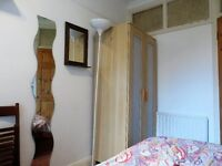 Great Small Single Room in a female flat share moments from Surbiton Station