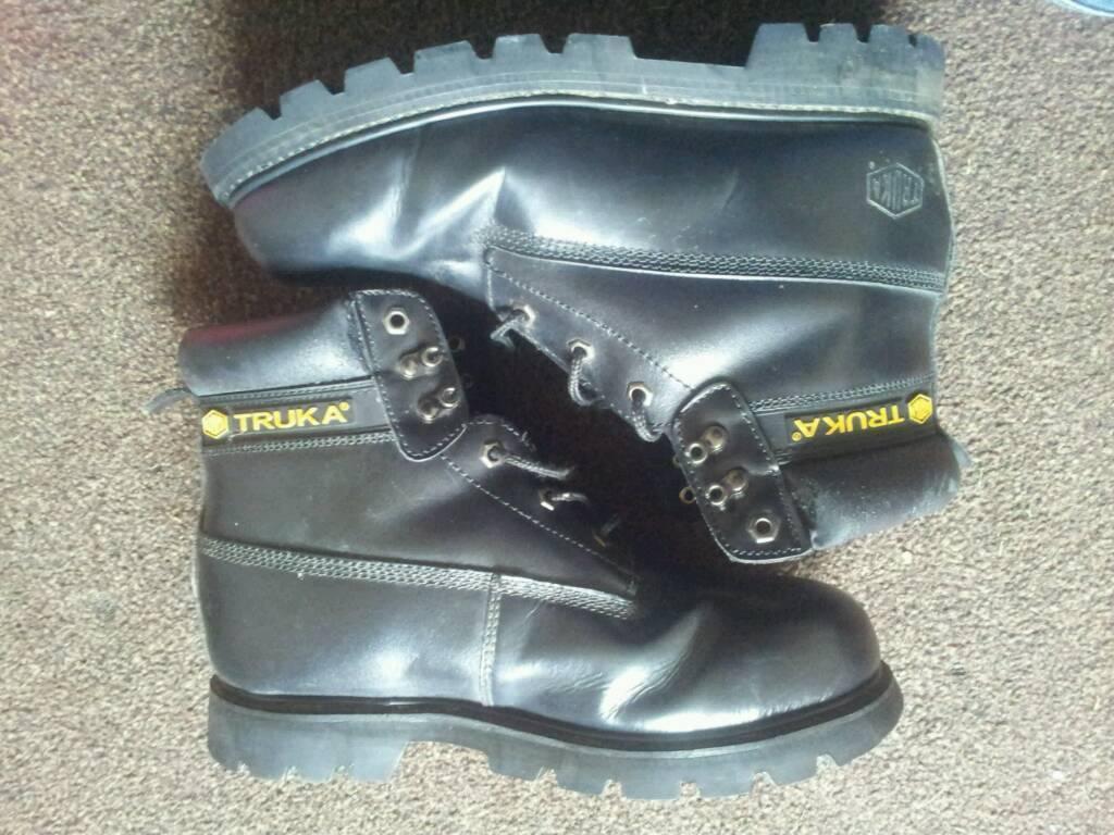 Mens steel toe boots 9