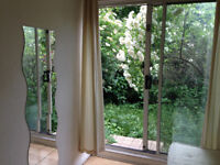 MILE END, ZONE 2, SINGLE BED WITH THE GARDEN !!!