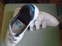 Trainer/Tennis shoe, Lonsdale ,Size 10 .