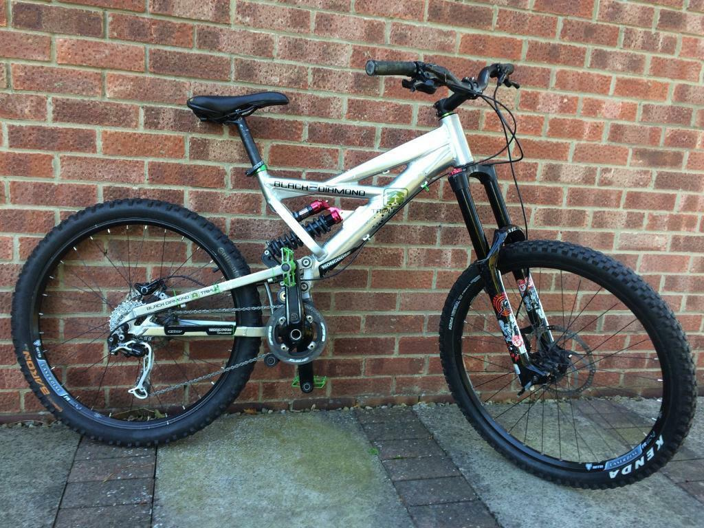Full suspension Mongoose Black Diamond Triple Downhill Mountain Bike