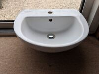 Small wash basin for WC