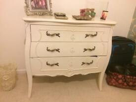 Shabby chic bedroom furniture.